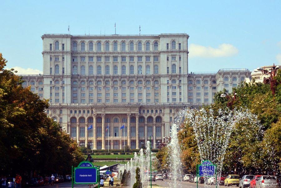 Locuri de vizitat in Bucuresti: Palatul Parlamentului