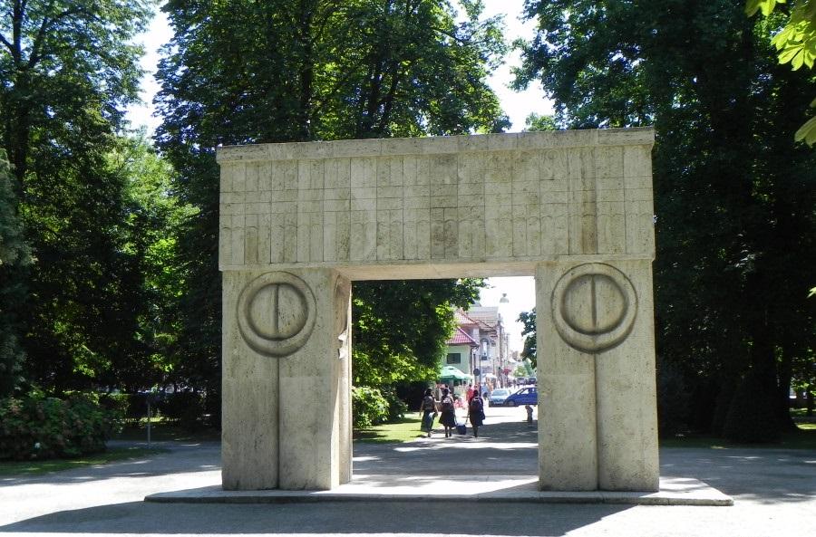 Poarta sarutului in Targu Jiu