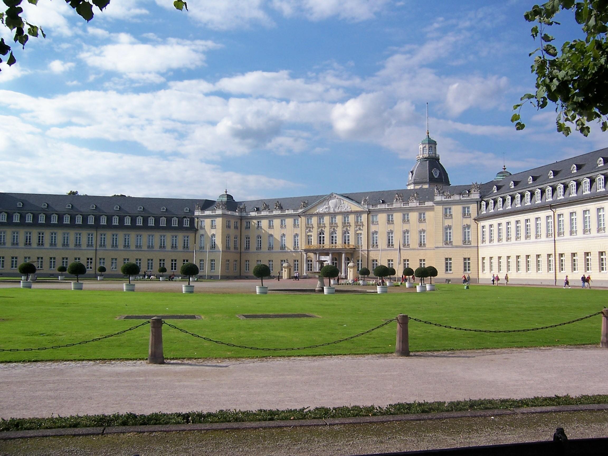 O Vacanta Petrecuta In Karlsruhe Germania Plec In Lume