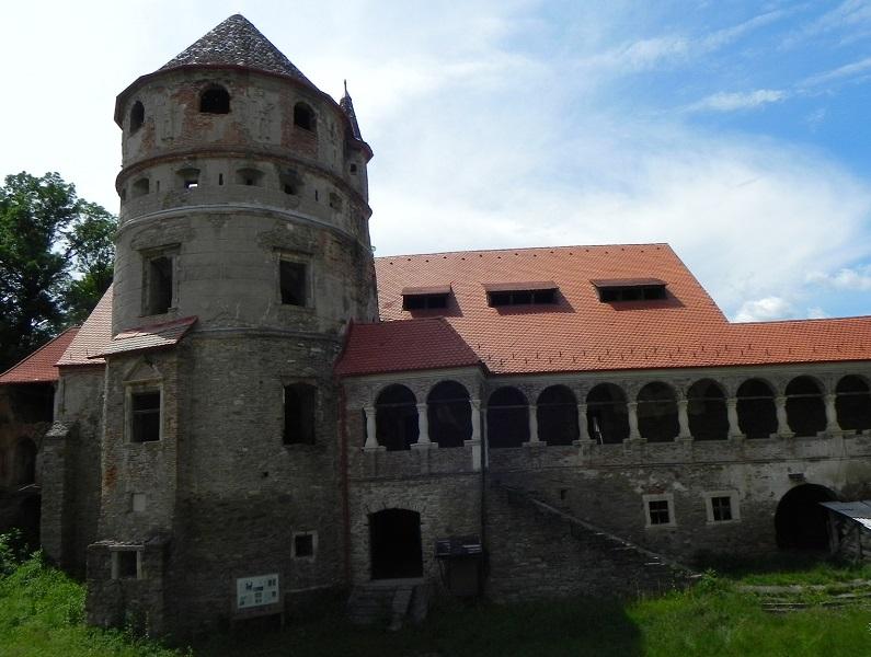 Castelul Bethlen, Crit